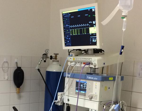 Inhalationsnarkose mit Monitor-Überwachung